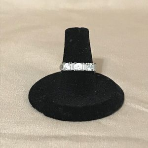 NWOT 925 sterling silver & cz ring size 7